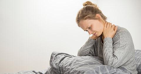 Por que adoecemos Mulher doente na cama